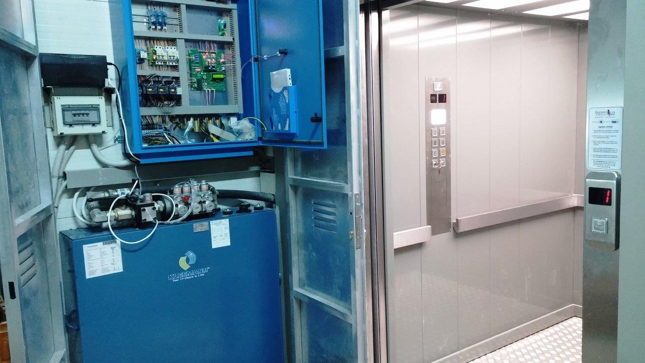 Έργο ασανσέρ Supermarket AB στην Κάρυστο, Αναβάθμιση & Πιστοποίηση Ανελκυστήρα & Ασανσέρ Αθήνα